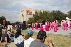 Λαϊκός χορός του κρατικού ο δίκαιος Τέξας παρουσιάζει στο δίκαιο πάρκο στοκ φωτογραφία με δικαίωμα ελεύθερης χρήσης