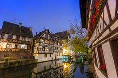Λα λεπτοκαμωμένη Γαλλία στο χρόνο σούρουπου, Στρασβούργο, Αλσατία Στοκ Εικόνες