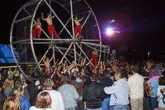 Λα Fura dels Baus και το πλήθος Στοκ εικόνες με δικαίωμα ελεύθερης χρήσης