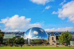 Λα Geode Parc de Λα Villette, Παρίσι, Γαλλία Στοκ εικόνα με δικαίωμα ελεύθερης χρήσης