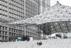 Λα Grande Arche, υπεράσπιση Λα, Παρίσι, Γαλλία Στοκ φωτογραφία με δικαίωμα ελεύθερης χρήσης
