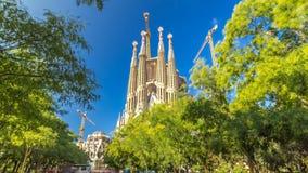 Λα Sagrada Familia timelapse hyperlapse - ο εντυπωσιακός καθεδρικός ναός που σχεδιάζεται από Gaudi, Βαρκελώνη, Ισπανία απόθεμα βίντεο