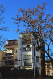 Λείο άσπρο κτήριο στη Βαλένθια στοκ εικόνα με δικαίωμα ελεύθερης χρήσης