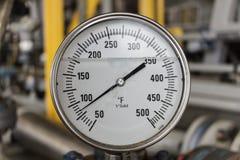 Λειτουργία πετρελαίου και φυσικού αερίου μετρητών θερμοκρασίας Στοκ φωτογραφία με δικαίωμα ελεύθερης χρήσης