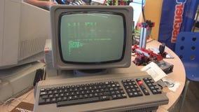 Λειτουργώντας αναδρομικό PC στον κατασκευαστή Faire της Μόσχας απόθεμα βίντεο