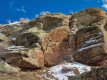 Λειχήνες και χιόνι στο Hill δεινοσαύρων Στοκ φωτογραφία με δικαίωμα ελεύθερης χρήσης