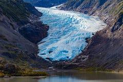 Λειώνοντας γλώσσα πάγου του παγετώνα Π.Χ. Καναδάς αρκούδων στοκ εικόνες
