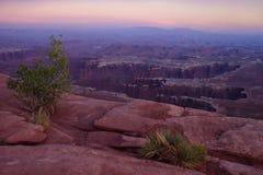 Λεκάνη μνημείων - εθνικό πάρκο Canyonlands Στοκ Φωτογραφίες