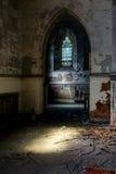 Λεκιασμένα παράθυρα γυαλιού - εγκαταλειμμένη εκκλησία - Νέα Υόρκη Στοκ Εικόνα