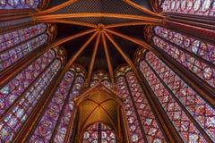 Λεκιασμένο ανώτατο όριο Παρίσι Γαλλία καθεδρικών ναών Sainte Chapelle γυαλιού Στοκ εικόνα με δικαίωμα ελεύθερης χρήσης
