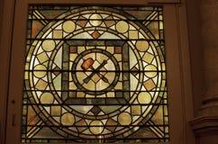 Λεκιασμένο γυαλί στο μασονικό ναό στοκ εικόνα με δικαίωμα ελεύθερης χρήσης
