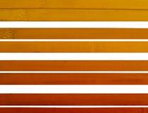 Λεκιασμένο ξύλινο slats υπόβαθρο πέρα από το λευκό Στοκ Εικόνες
