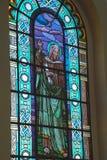 Λεκιασμένο παράθυρο γυαλιού σε βραζιλιάνο καθολικό Church_03 στοκ εικόνα με δικαίωμα ελεύθερης χρήσης
