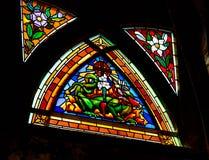 Λεκιασμένο παράθυρο γυαλιού σε Churche Άγιος Jean de Mormartre Στοκ Εικόνες