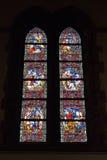 Λεκιασμένο παράθυρο γυαλιού στην εκκλησία Άγιος Walburga στοκ εικόνες