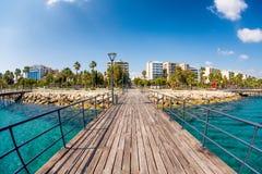 Λεμεσός, προκυμαία Enaerios, άποψη από την παλαιά ξύλινη αποβάθρα Κύπρος Στοκ Εικόνα