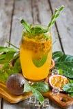 Λεμονάδα Passionfruit Στοκ Εικόνες
