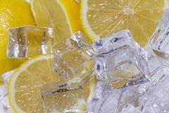 Λεμόνι με τον πάγο Στοκ φωτογραφία με δικαίωμα ελεύθερης χρήσης