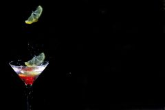 λεμόνι martini γυαλιού απελευθέρωσης στοκ εικόνες με δικαίωμα ελεύθερης χρήσης
