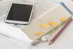 Λεξικό αγγλικά για τη μελέτη για το επιτραπέζιο λευκό Στοκ εικόνα με δικαίωμα ελεύθερης χρήσης