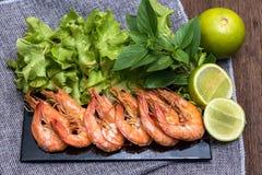 Λεπτές γαρίδες επιλογής για το γεύμα στοκ φωτογραφία με δικαίωμα ελεύθερης χρήσης