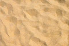 Λεπτή άμμος παραλιών στο θερινό ήλιο Στοκ Εικόνες