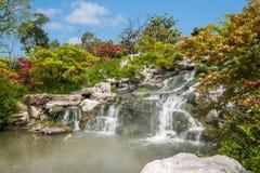 Λεπτή δυτική λίμνη Yangzhou στις πτώσεις κήπων Στοκ Εικόνες