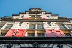 Λεπτομέρεια από την πρόσοψη του κτηρίου αιθουσών πόλεων του Ντελφτ στοκ εικόνες