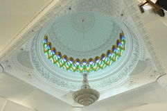 Λεπτομέρεια αρχιτεκτονικής στο σουλτάνο Abdul Samad Mosque (μουσουλμανικό τέμενος KLIA) στοκ εικόνα με δικαίωμα ελεύθερης χρήσης