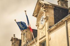 Λεπτομέρεια αρχιτεκτονικής του Δημαρχείου Noirmoutier, Γαλλία με Στοκ φωτογραφία με δικαίωμα ελεύθερης χρήσης