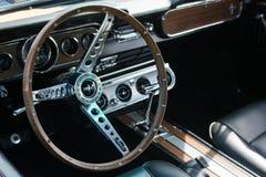 Λεπτομέρεια αυτοκινήτων μάστανγκ της Ford στην επίδειξη Στοκ φωτογραφίες με δικαίωμα ελεύθερης χρήσης