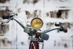 Λεπτομέρεια εκλεκτής ποιότητας HandleBar ποδηλάτων με τη σύσταση υποβάθρου Στοκ φωτογραφία με δικαίωμα ελεύθερης χρήσης
