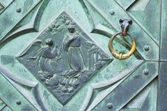 Λεπτομέρεια ενός εξογκώματος πορτών του ST Mary& x27 βασιλική του s Στοκ εικόνα με δικαίωμα ελεύθερης χρήσης