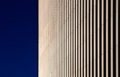 Λεπτομέρεια ενός μπεζ κτηρίου, Canary Wharf, Λονδίνο Στοκ εικόνες με δικαίωμα ελεύθερης χρήσης
