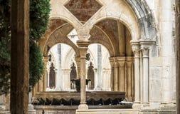 Λεπτομέρεια ενός romanesque μοναστηριού Στοκ φωτογραφίες με δικαίωμα ελεύθερης χρήσης