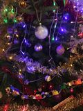 Λεπτομέρεια διακοσμήσεων χριστουγεννιάτικων δέντρων Στοκ Εικόνες