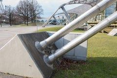 Λεπτομέρεια κατασκευής χάλυβα της στέγης γυαλιού στο CE του Μόναχου Ολυμπία Στοκ Φωτογραφίες