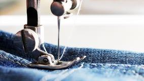 Λεπτομέρεια κινηματογραφήσεων σε πρώτο πλάνο της ράβοντας μηχανής Στοκ Εικόνα