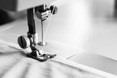 Λεπτομέρεια κινηματογραφήσεων σε πρώτο πλάνο της ράβοντας μηχανής Στοκ Φωτογραφίες