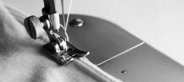 Λεπτομέρεια κινηματογραφήσεων σε πρώτο πλάνο της ράβοντας μηχανής Στοκ εικόνες με δικαίωμα ελεύθερης χρήσης