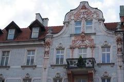 Λεπτομέρεια μιας κατοικίας, ένα αστικό κατοικημένο κτήριο τούβλου Στοκ Φωτογραφίες