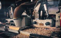 Λεπτομέρεια μιας μηχανής σε ένα πριονιστήριο στοκ εικόνα