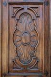 Λεπτομέρεια μιας ξύλινης ενθεμένης πόρτας Στοκ εικόνα με δικαίωμα ελεύθερης χρήσης