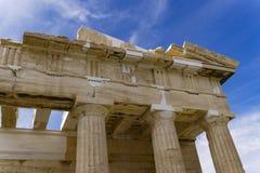 Λεπτομέρεια ναών Parthenon ακρόπολη της Αθήνας με την παραμονή στήλες Στοκ φωτογραφία με δικαίωμα ελεύθερης χρήσης