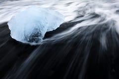 Λεπτομέρεια πάγου στην παραλία στοκ εικόνες με δικαίωμα ελεύθερης χρήσης