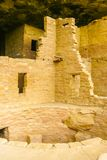 Λεπτομέρεια παλατιών απότομων βράχων του εθνικού πάρκου Αριζόνα Kiva Mesa Verde στοκ εικόνα