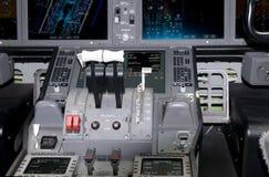 Λεπτομέρεια πιλοτηρίων του επιβατηγού αεροσκάφους Στοκ Εικόνες