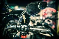 Λεπτομέρεια ποδηλάτων μηχανών, κινηματογράφηση σε πρώτο πλάνο καθρεφτών Στοκ Φωτογραφίες
