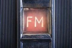 Λεπτομέρεια στο βρώμικο και παλαιό ραδιόφωνο Στοκ Φωτογραφία