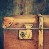 Λεπτομέρεια της κλειδαριάς σε έναν παλαιό κορμό Στοκ Φωτογραφίες